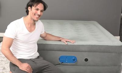 Come aggiustare un materasso gonfiabile bucato