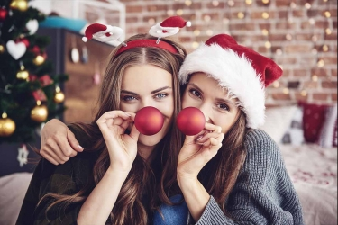 Regali di Natale per le amiche: idee spiritose ed economiche