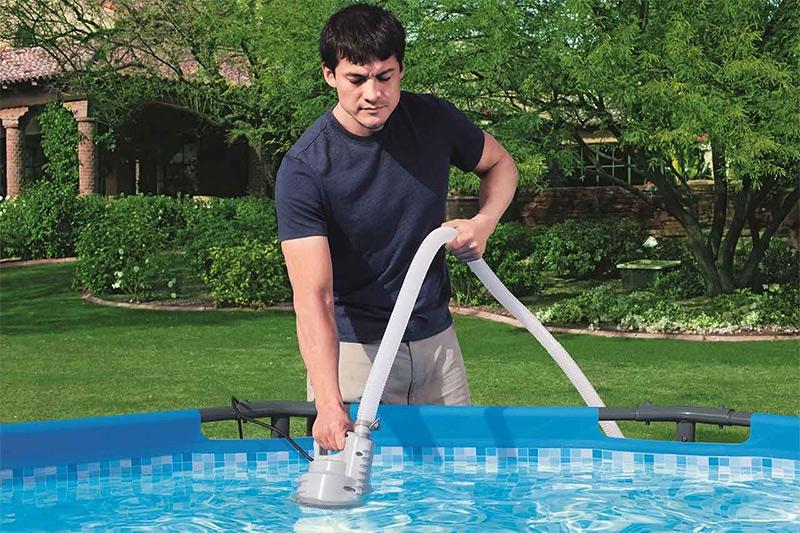 Come chiudere la piscina fuori terra per l'inverno?