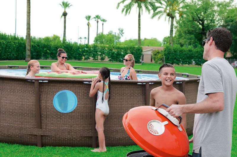 Come preparare il terreno per la tua piscina fuori terra