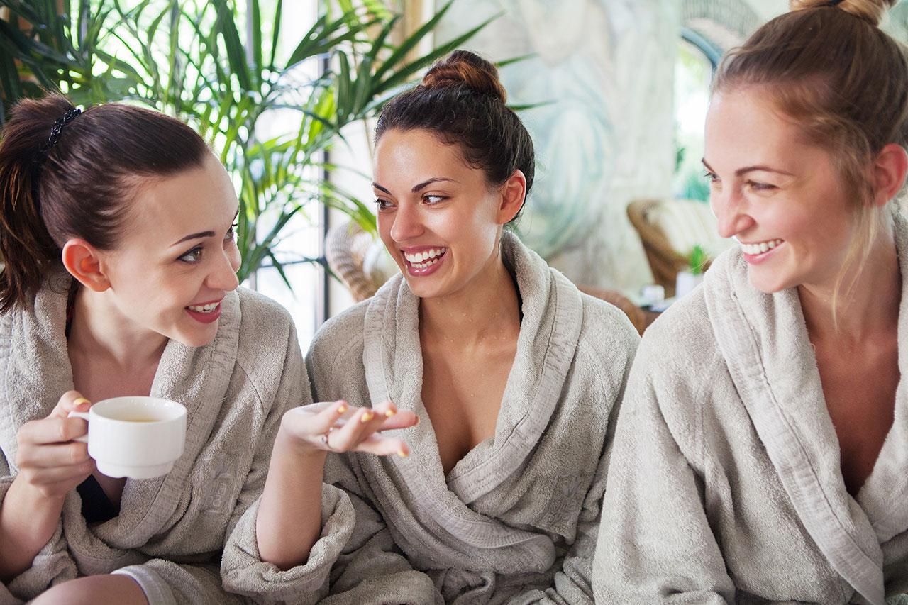 7 idee per festeggiare la Festa della Donna con le amiche