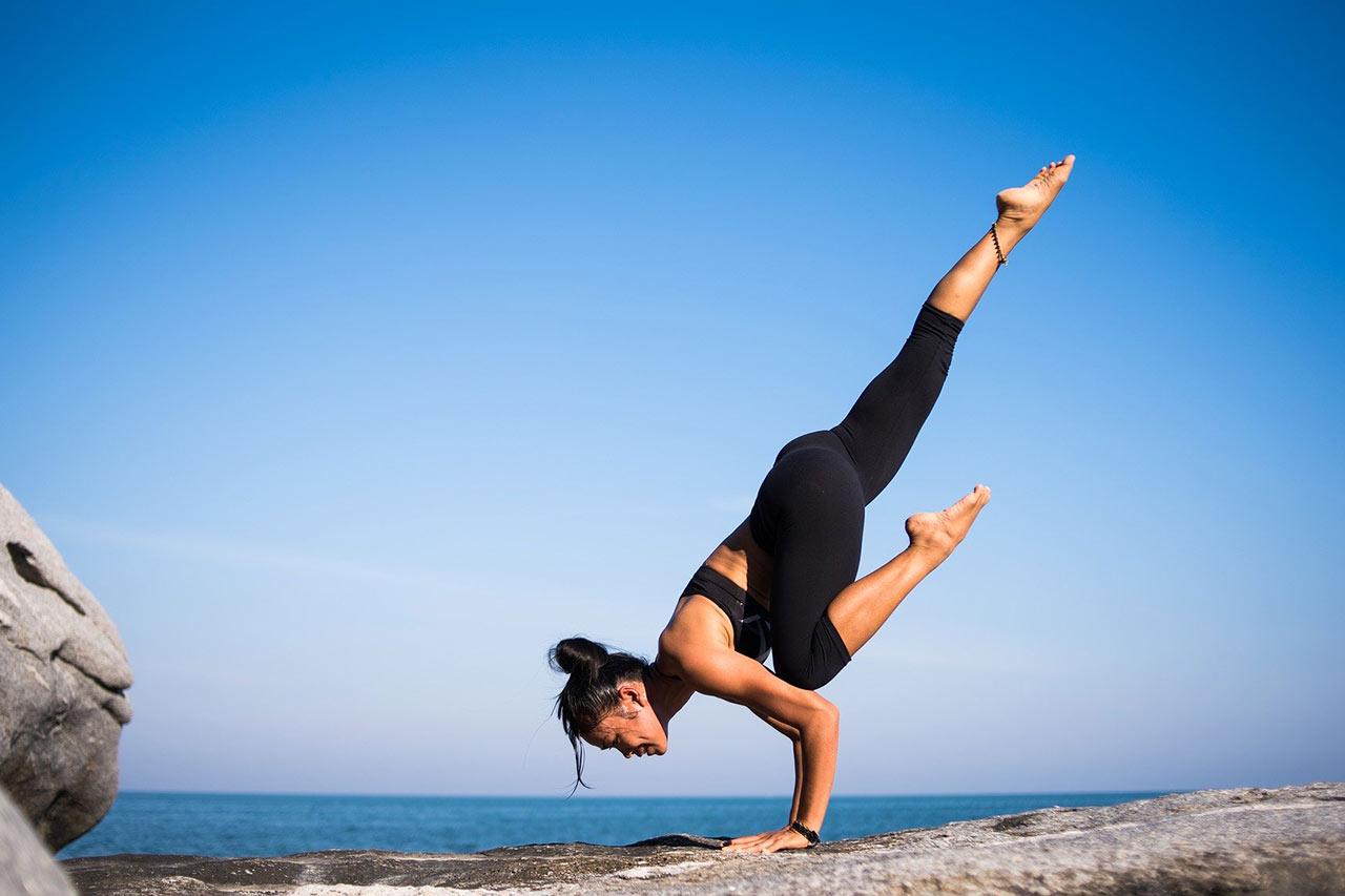 Giornata mondiale dello Yoga: come praticarlo ed i suoi benefici