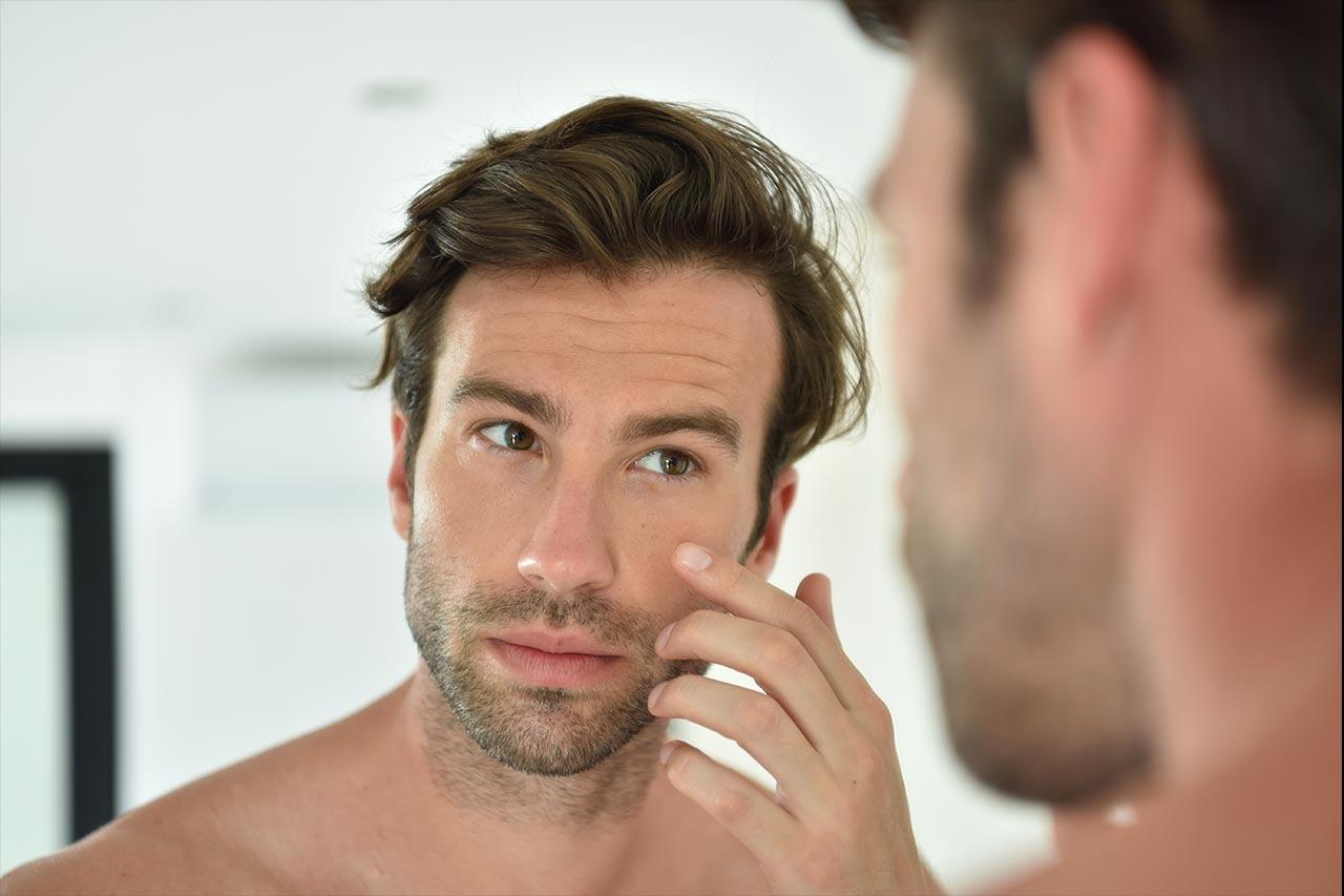 Trattamento viso e corpo per uomo: come prendersi cura di sé a casa